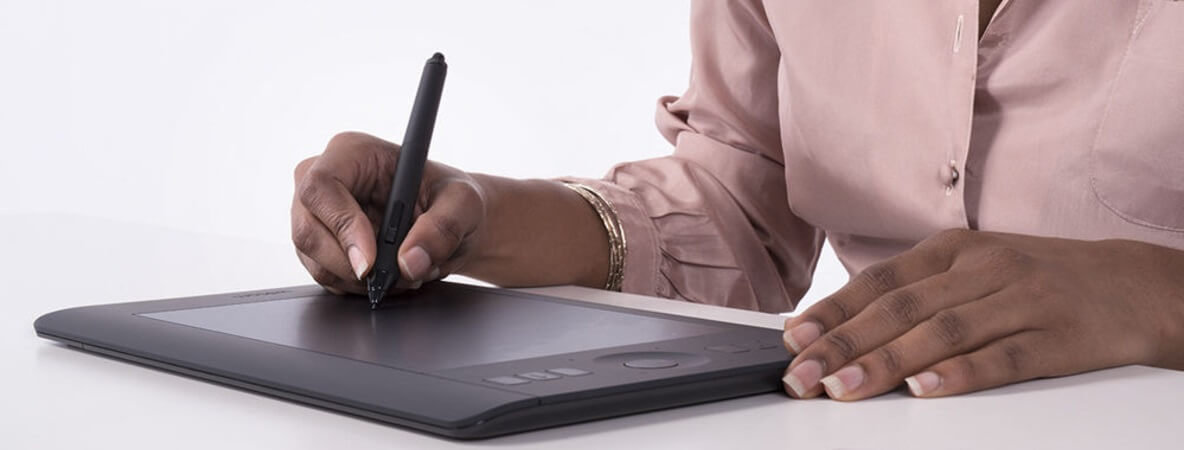 Compare Huion H610 vs Wacom Intuos Art side by side in 2019